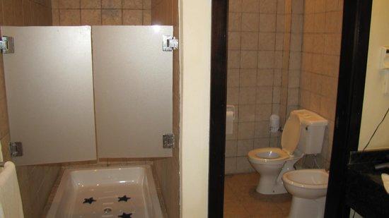 Diamonds Dream of Africa: Душ и туалет