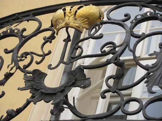 City Palace at the Golden Sun: detail