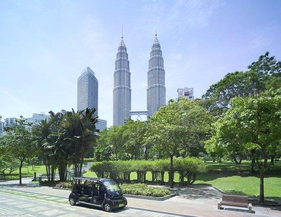 Traders Hotel, Kuala Lumpur: Buggy Shuttle Service