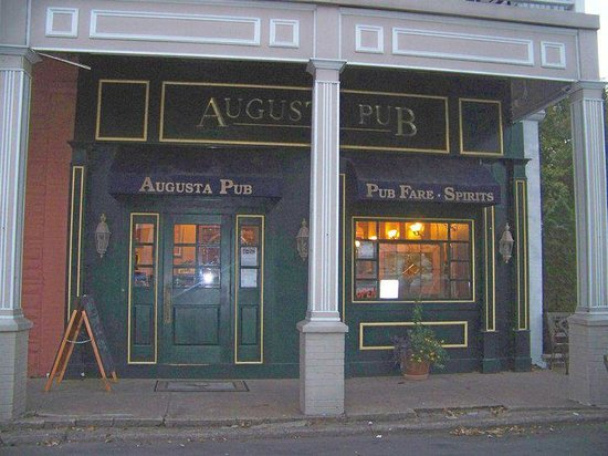 Augusta Irish Pub: Open 7 days a week!