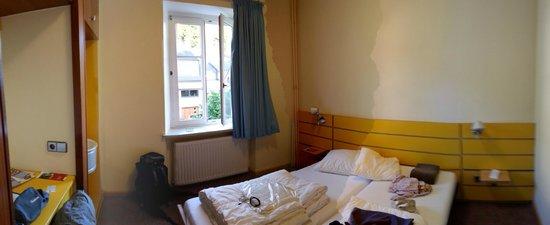 Youth Hostel Larochette : camera