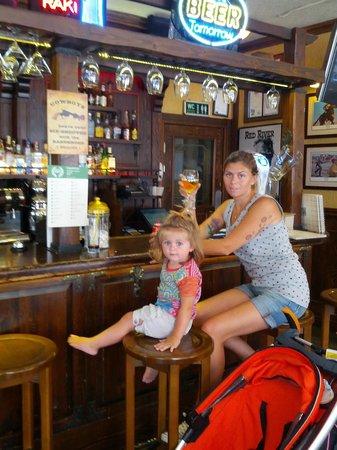 Red River Pub : coppia d'assi