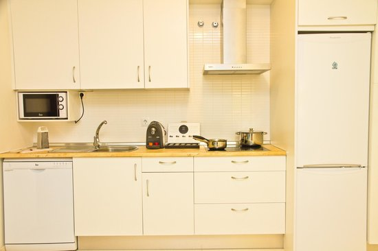 Pierre & Vacances Apartamentos Sevilla: Kitchen