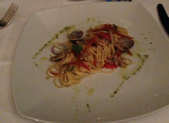 Mezzatorre Resort and Spa: spaghetti in cottura a 65 gradi in evo con  bottarga e vongole