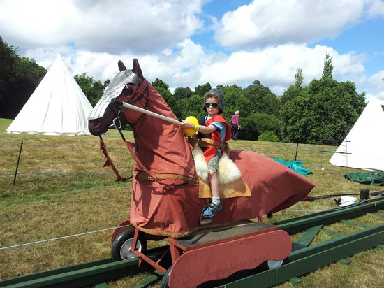 Cliff Farm: Lots of fun at Medieval festival (Bodiam Castle 15 mins drive)
