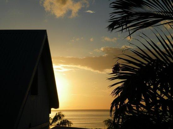 Bleu des Iles : Que dire de plus...coucher du soleil vu de la piscine