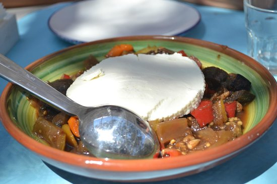 Koumpara Seafood Restaurant: insalata greca rivisitata