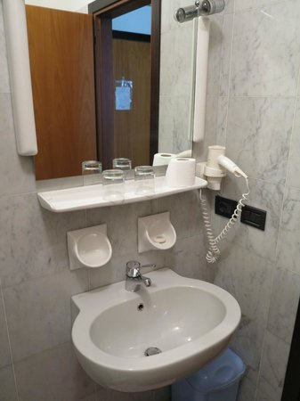 Hotel Speranza : Bathroom