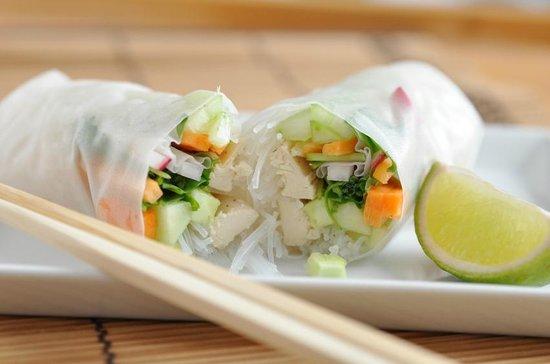 Sapa Rooms Boutique Hotel Restaurant: Rice paper rolls - vegetarian