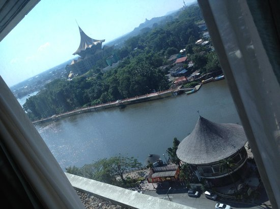 Riverside Majestic Hotel : lovely view of Sarawak river