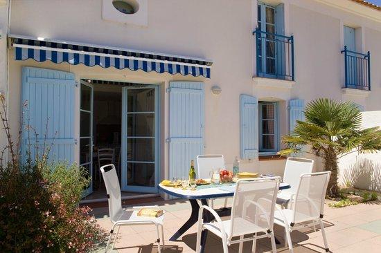Madame Vacances Les Maisons Du Lac : votre terrasse privative