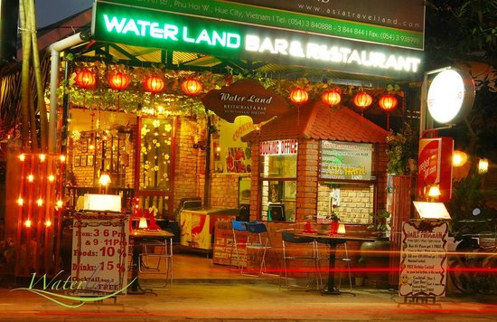 Waterland Bar - Restaurant -Cafe