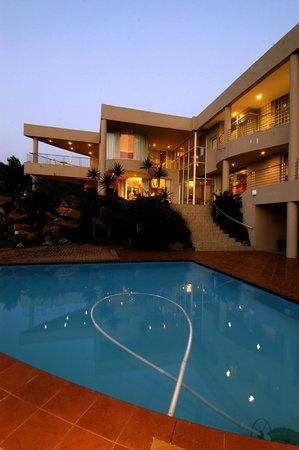 Cracker Bay B&B : House side view