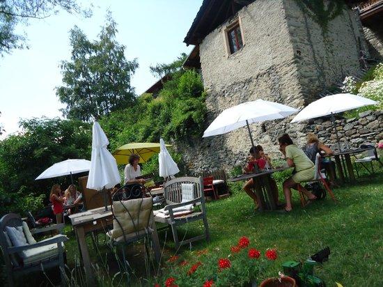 Chez Merie: Terrasse