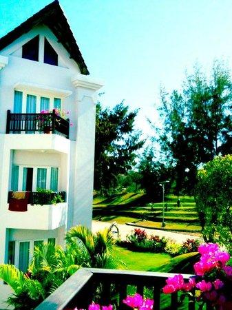 Muine Bay Resort: Garden views