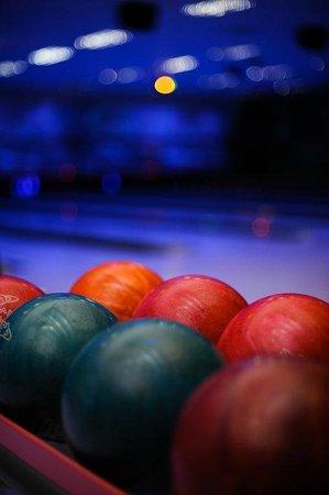McGregor's Sportbar: Bowling
