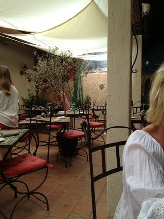 Eden restaurant : patio