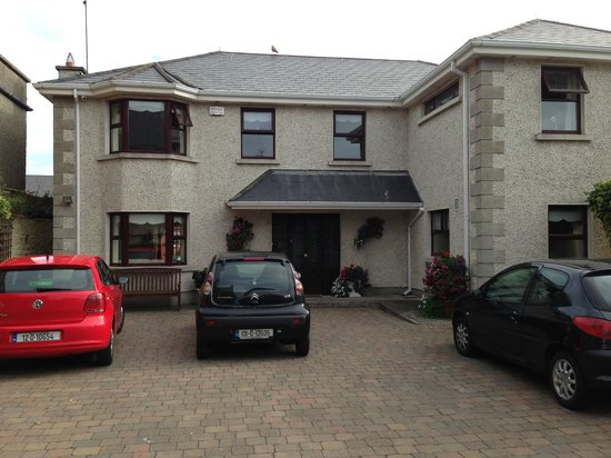 Jantol House B&B: Jantol House from Balbriggan Street
