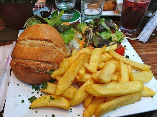 Tapas Restaurant L 'amour: hamburger