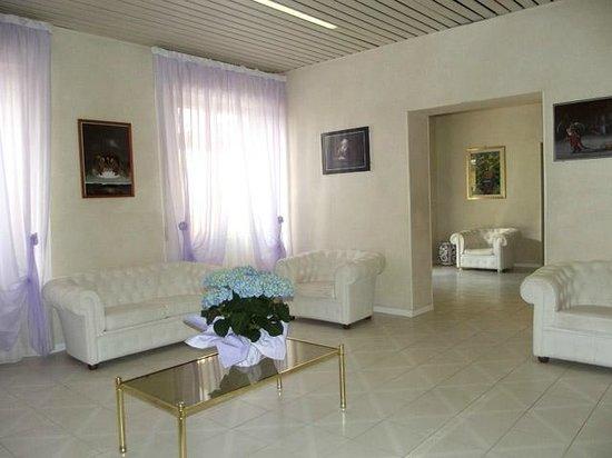 Hotel Giglio : Sala per colloquiare con gli altri ospiti