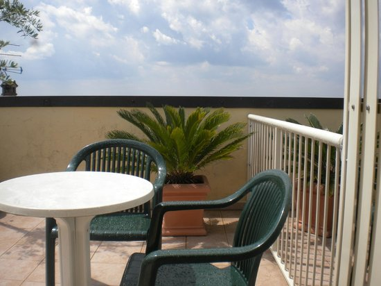 Hotel Roma: The terrace 'view' when seated