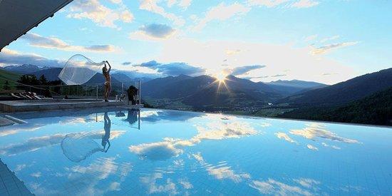 Baerenhotel: Infinity Outdoor Pool