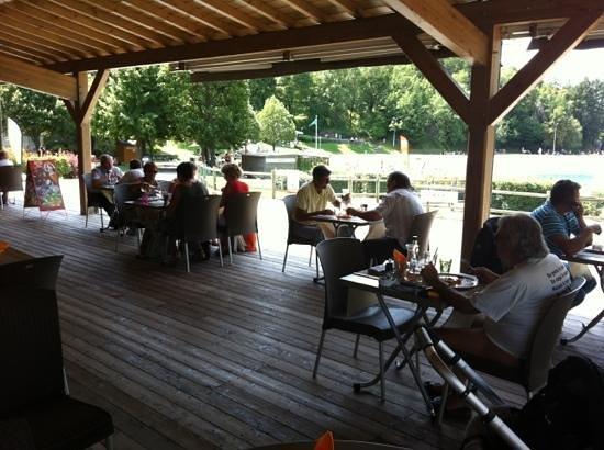 Restaurant du Lac : Ajouter une légende