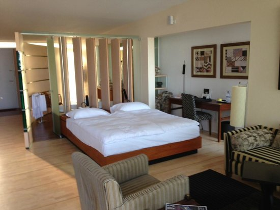 Hotel Palafitte : Grands espaces dans la chambre du pavillon