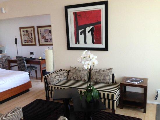 Hotel Palafitte : Salon / bureau dans pavillon