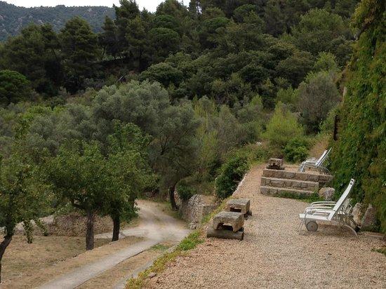 Mirabo de Valldemossa: Road to town
