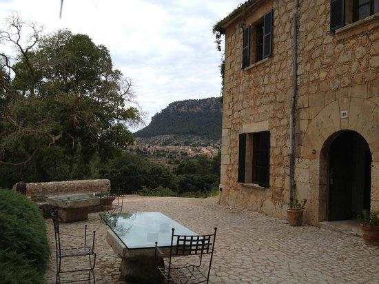 Mirabo de Valldemossa: Front porch