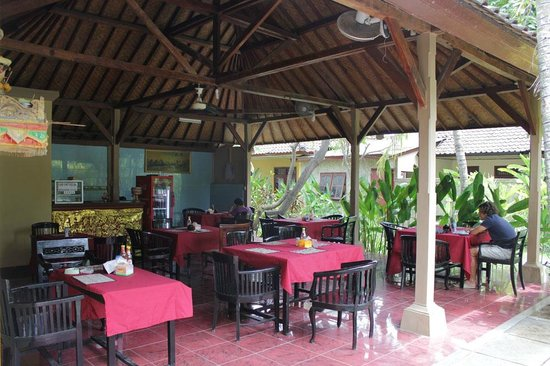 Ayu Beach Inn: restoran