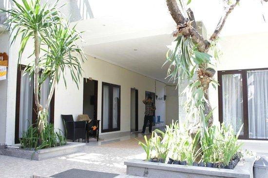 Ayu Beach Inn: lorong