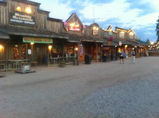 BRYCE CANYON WESTERN TOWN