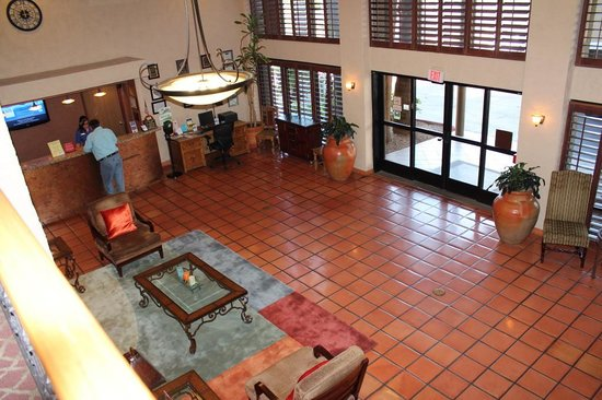 Best Western Plus Tempe By The Mall : Lobby entrance