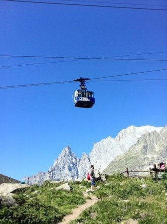 Hotel Vallee Blanche : Way up to Mont Blanc