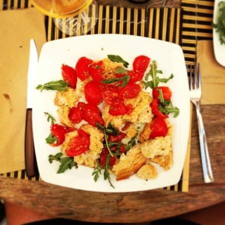Enogastronomia Povero: frisella con pomodoro