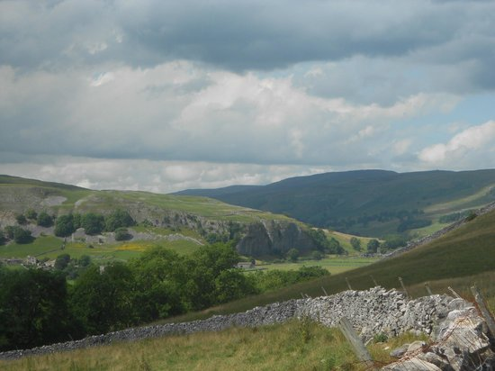 The Tennants Arms: Walk - Kilnsey Crag from route