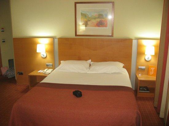 Silken Luis de Leon: Comodisima y amplia cama de 160 cm de ancho.