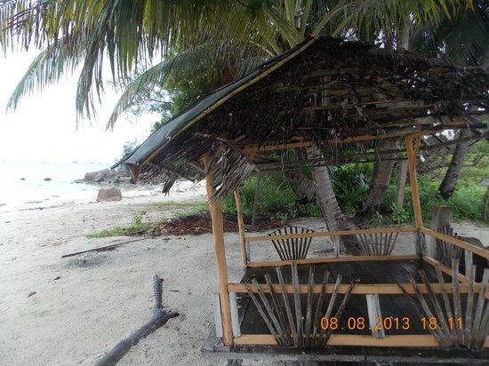 Bintan Bukit Kursi Resort: Beach Huts for locals to dine