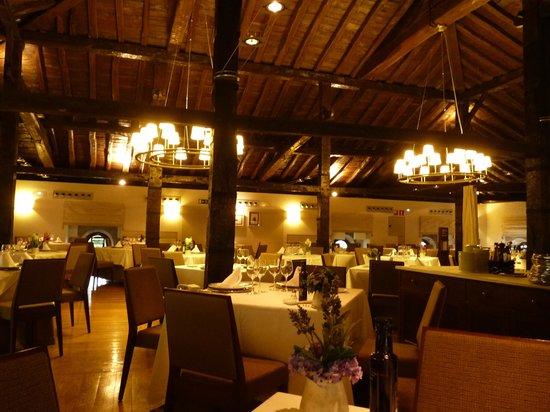 Parador de Argomaniz: salle de restaurant