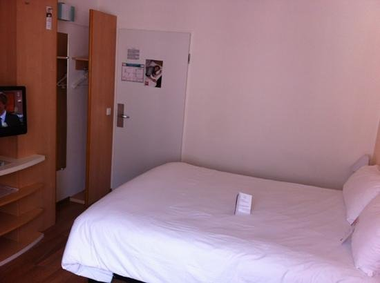 Ibis Muenchen City: small but efficient room