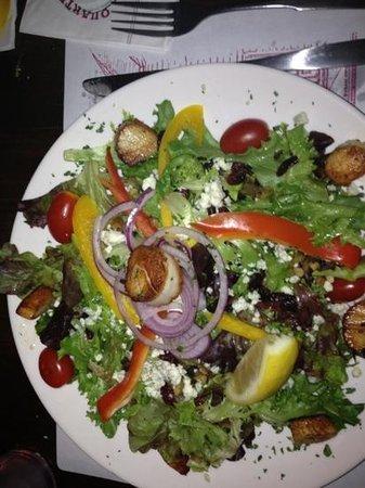 Quarterdeck Restaurant: salad