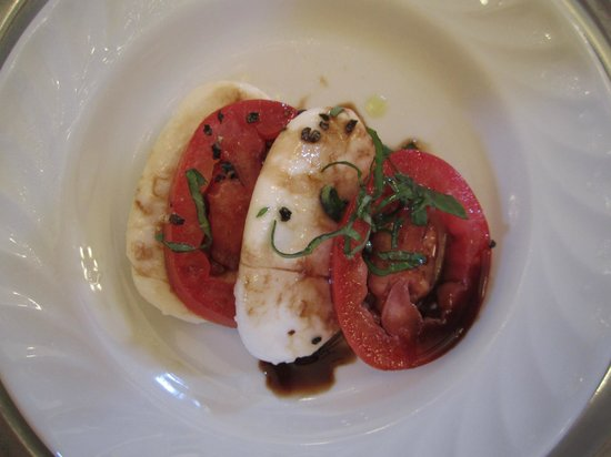 Christoval, Техас: Traditional Caprese Salad, fresh mozzarella, tomato and basil with balsamic and cold pressed vir