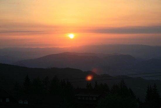 Mountain Resort Feuerberg: Sonnenaufgang von Wolke 7 aus