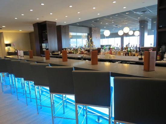 Delta Hotels Kingston Waterfront: Lobby Bar