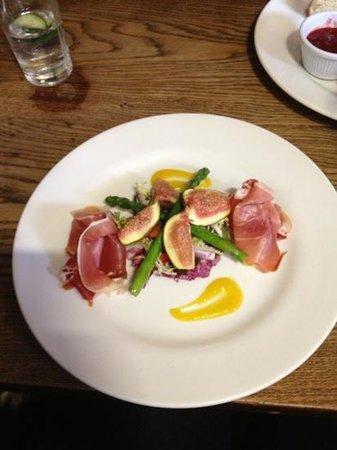 The Lamb Inn Restaurant: Baked figs
