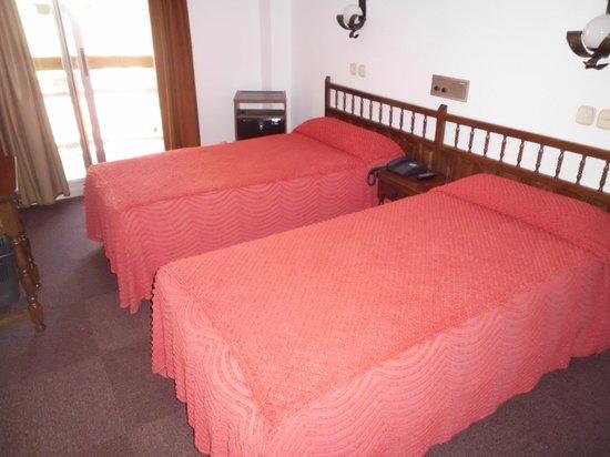 Hotel Folch: chambre