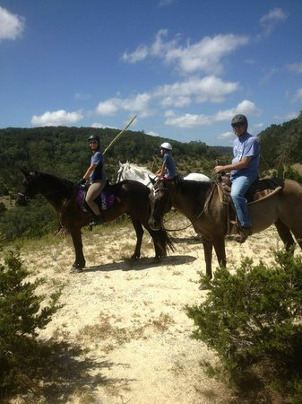 Hill Country Equestrian Lodge: Pausing to enjoy the view at Meditation Point