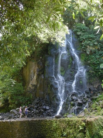 Parque Natural da Ribeira dos Caldeiroes: waterval